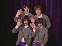 """1:42 Famosa imagen del vídeo. """"Adiós"""", aquí Faul parece ser el único que está feliz de verdad. La expresión de John es falsa a más no poder, Ringo baja la cabeza y George está con la cara como un palo."""