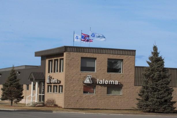 drapeaux-lalema-canadien-de-montreal-serie-eliminatoire-2014