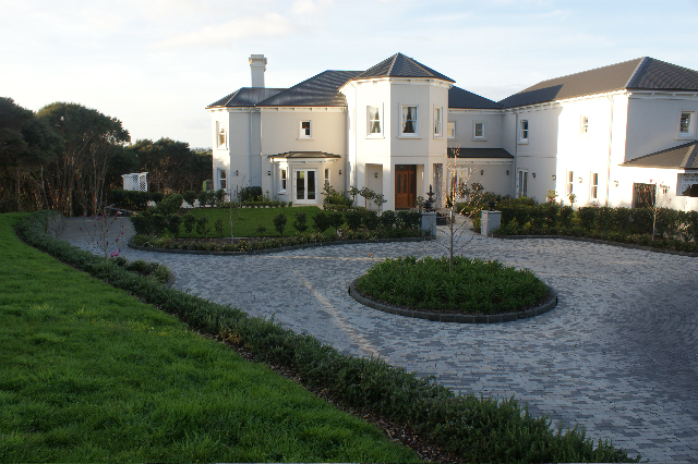 Landscaping Auckland   Natural Stone Paving   Tim Friday Stick
