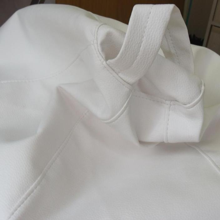 Puff color blanco