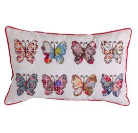 Cojín con mariposas patchwork