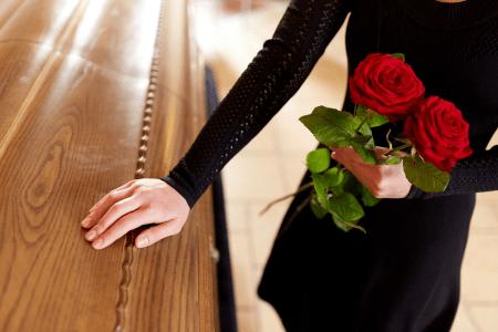 funeral-etiquette-proper-conduct-at-a-memorial-service