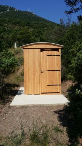 toilette sèche extérieure PMR