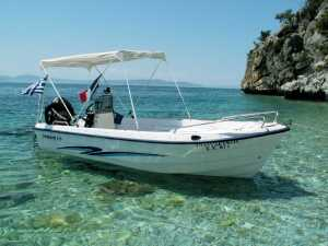 Lefkada rent a motorboat