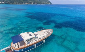 Wood Luxury Motor Boat Lefkada