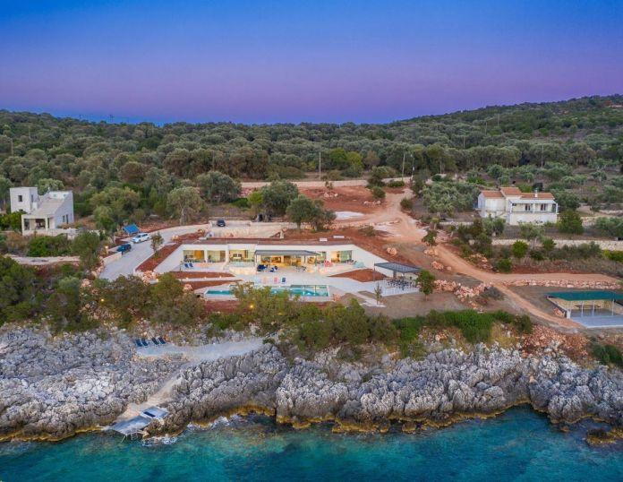 Brand new villa Yana