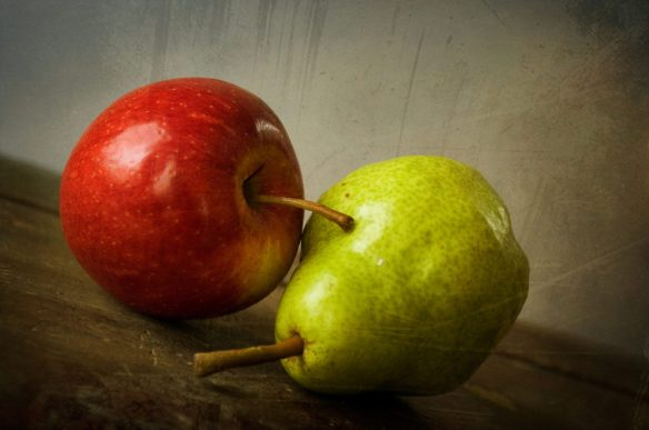 pear-and-apple-1318146-1279x846