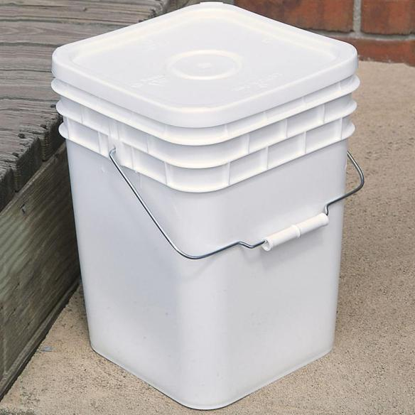 4-gallon bucket with lid