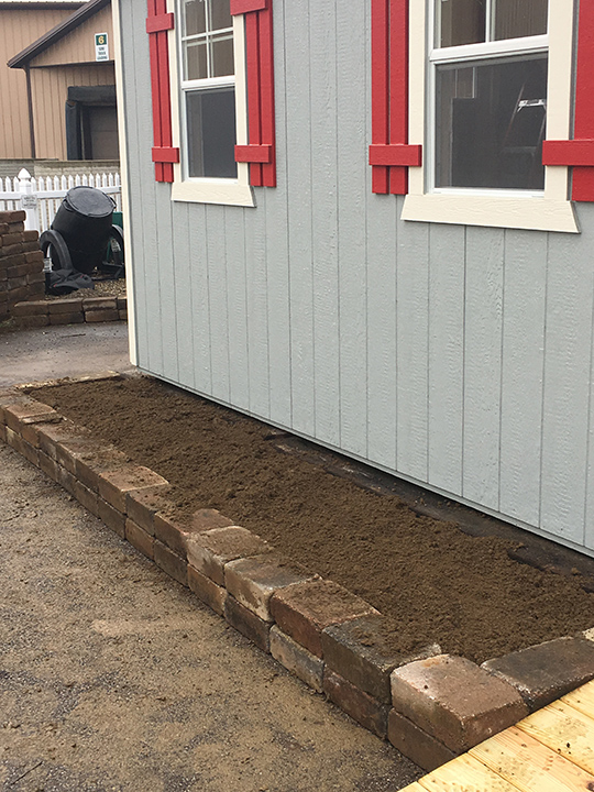 tiny house garden bed