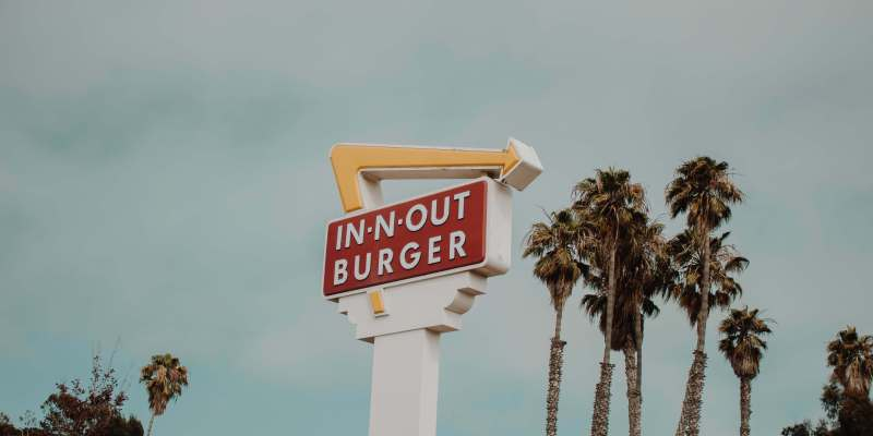 why is in-n-out burger so successful