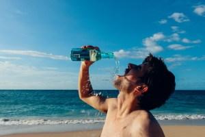hidratación en el deporte agua