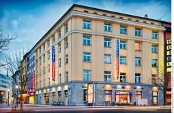 A&O Hotel Dortmund, am Königswall. Foto © Dietrich Hackenberg
