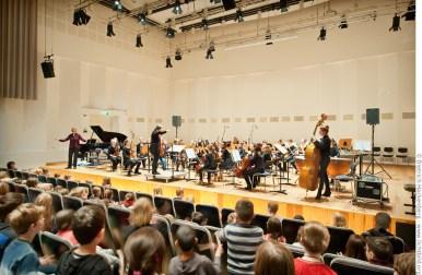 Orchester der Musikschule Dortmund spielt im Orchesterzentrum NRW vor Schülern. Foto © Dietrich Hackenberg