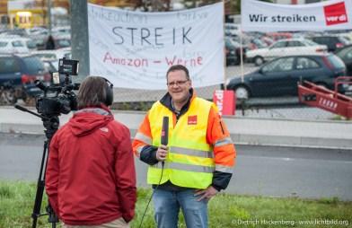 Frank Schrand beim Amazon Streik in Werne. Verdi amazon Streik in Werne am 24.09.2014. Foto © Dietrich Hackenberg - www.lichtbild.org
