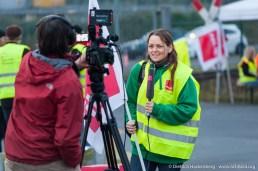 Medieninteresse beim Streik der Mitarbeiter von Amazon Werne. Verdi amazon Streik in Werne am 24.09.2014. Foto © Dietrich Hackenberg - www.lichtbild.org