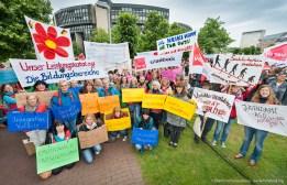 Großkundgebung am Dienstag (2.6.2015) vor dem Düsseldorfer Landtag mit Beschäftigten der Sozial- und Erziehungsberufe. Foto © Dietrich Hackenberg - www.lichtbild.org