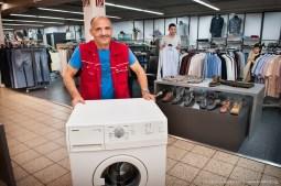 Waschmaschinen werden im Sozialkaufhaus angeboten. Foto Dietrich Hackenberg