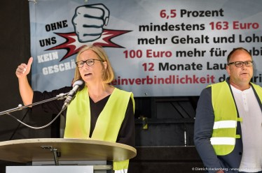 Zentrale Streikversammlung verdi Handel in Düsseldorf am 21.06.2019. Foto Dietrich Hackenberg