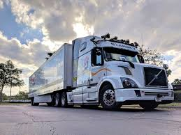 Photo of Unmanned 18 Wheeler Makes First Test Run