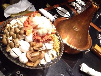 御膳房・銀座店で食べた雲南キノコ鍋