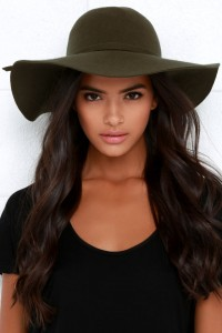 November Must Haves - floppy brim hat