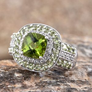 Peridot is the perfect match for Greenery!