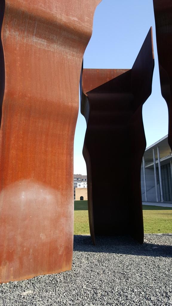 Spannender Blick auf die Pinakothek der Moderne