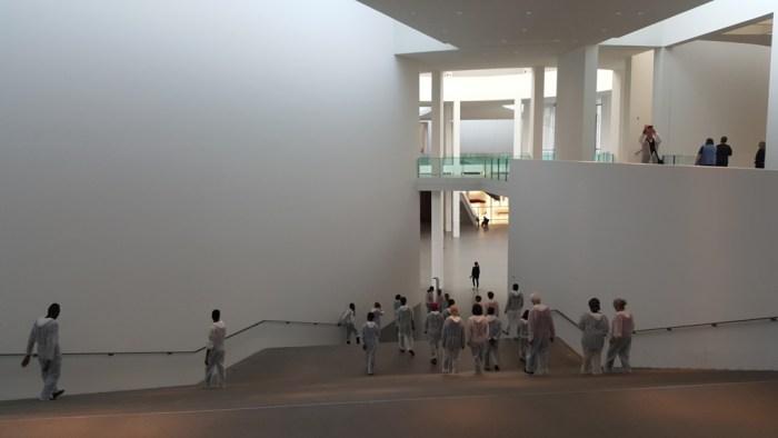 letzte Probe auf der großen Treppe der Pinakothek der Moderne