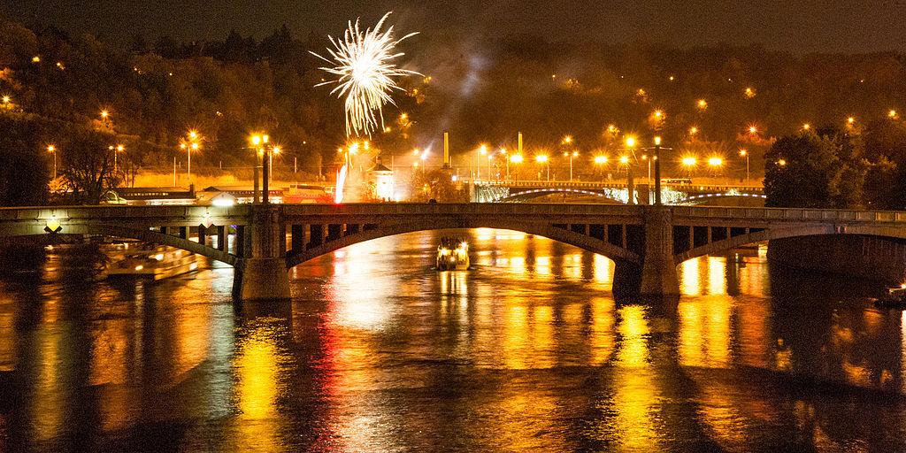 praga capodanno fuochi d'artificio
