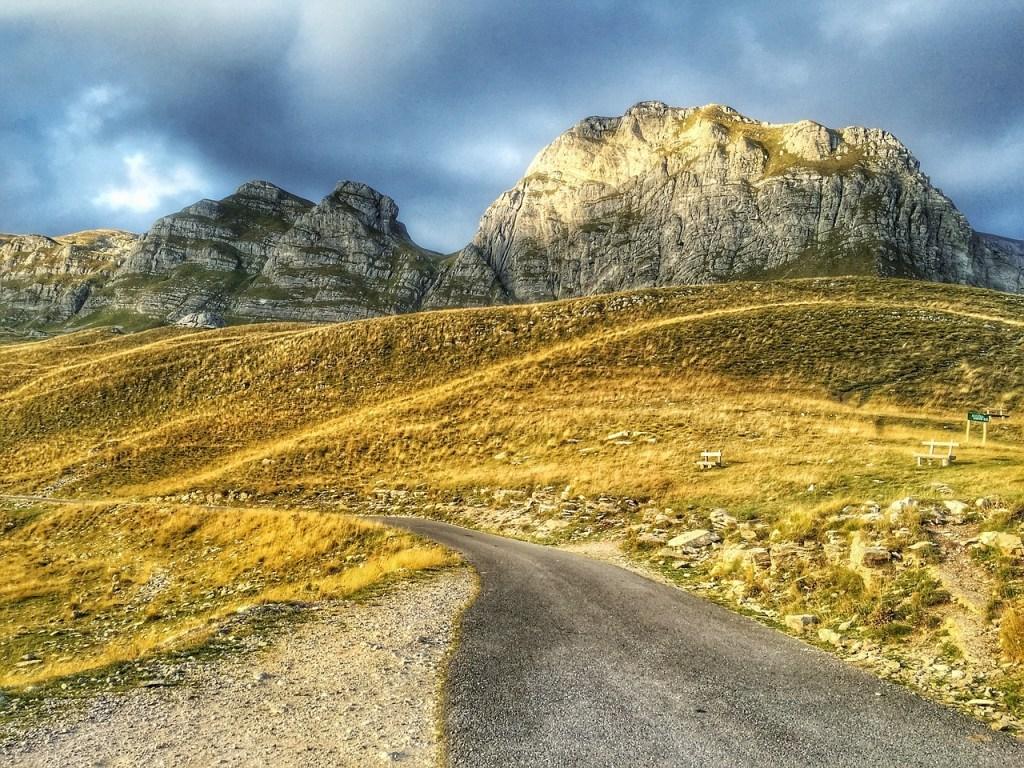 viaggiare montenegro trekking