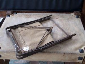 metal_stool_folded_IMG_8753