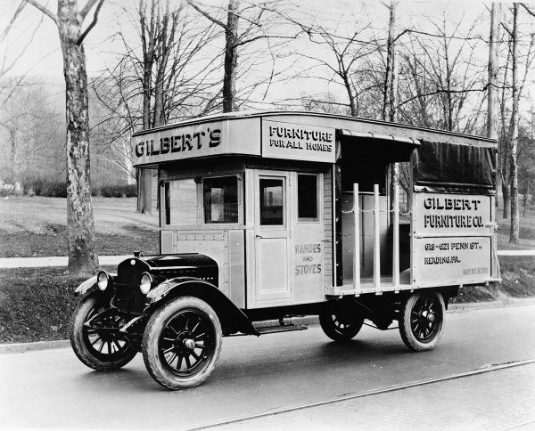 furniture_delivery_truck