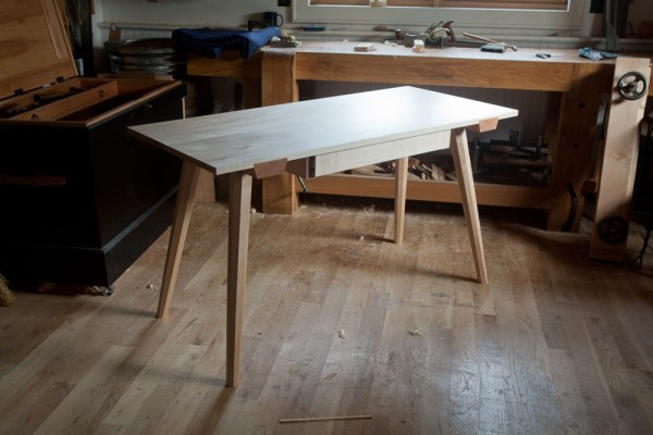 staked_worktable_IMG_103230