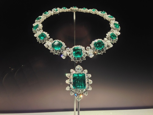 """Emerald and diamond necklace from the Elizabeth Taylor Collection at """"The Art of Bulgari"""" exhibit at the de Young Museum in San Francisco - Richard Burton gave this to Liz as a wedding gift - © de Young Museum"""