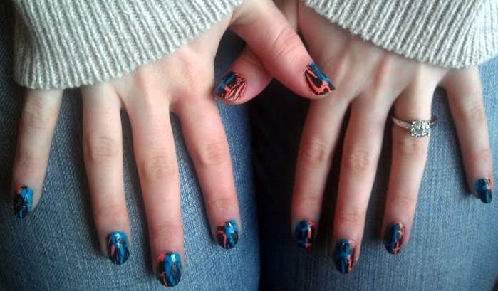 Em's Experimental Endeavors: The Skinny on Crackle Nail Polish