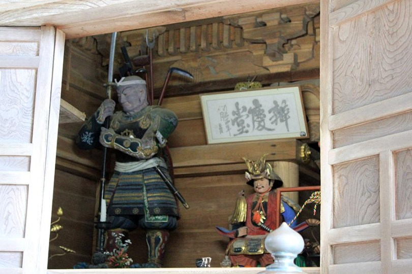 hiraizumi-patrimoine-unesco-chuson-ji-autel-statuettes-samurai