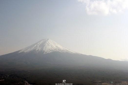 repos-lac-kawaguchiko-telepherique-mont-kachi-kachi-mont-fuji-gauche
