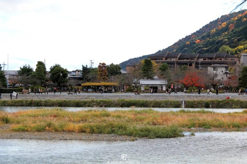 Arashiyama-saison-momiji-rives-riviere-hozugawa-katsuragawa