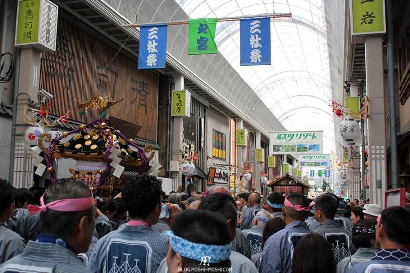 rues d'Asakusa tokyo-sanja-matsuri-quartier-rues-asakusa-shotengai-passage-couvert-foule
