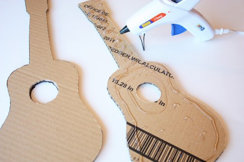 guitare en carton DIY2