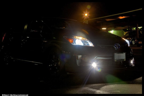 Xentec 5000K HID kit on with Nokya LED projector fog lights from the Prius
