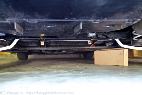 Prius PLUS rear sway bar left side mounted