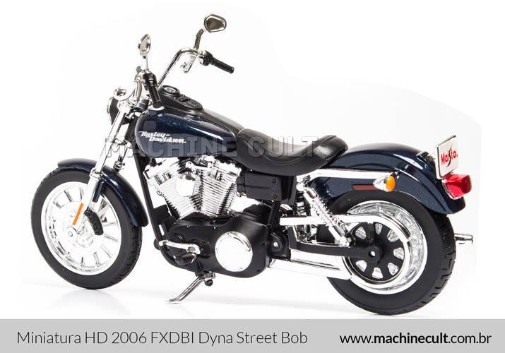 Miniatura Harley-Davidson 2006 FXDBI Dyna Street Bob