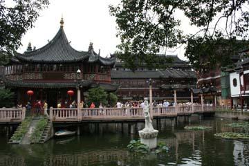 上海観光といえば 豫園 (Yuen)!?