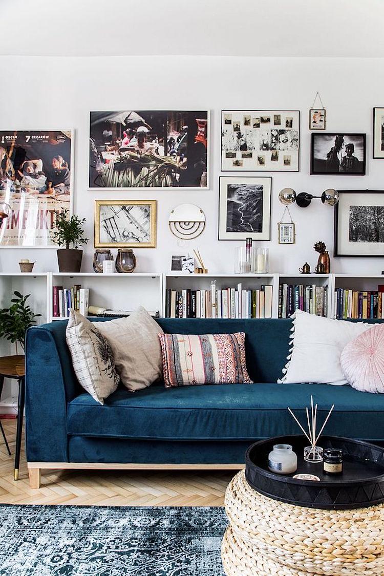 Accrocher des tableaux dans son salon