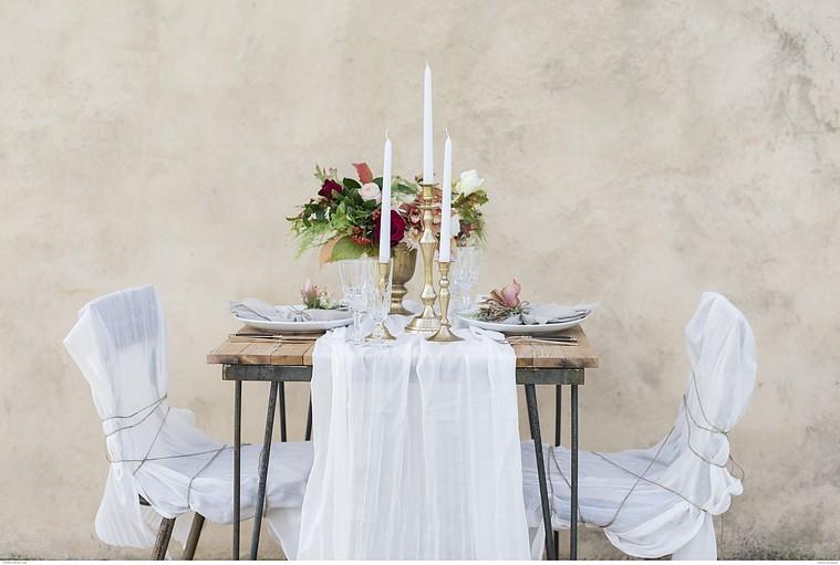 Une sublime décoration de table pour un diner romantique à deux