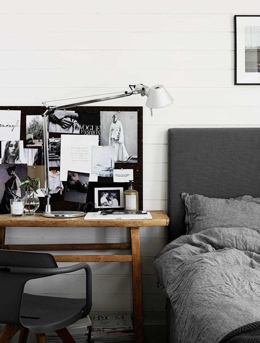 Une déco scandinave dans la chambre en nuances de gris, blanc et noir