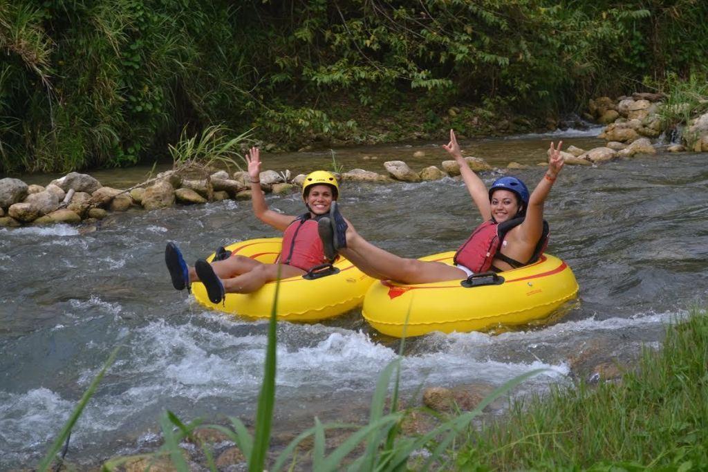 River tubing in Rio Bueno