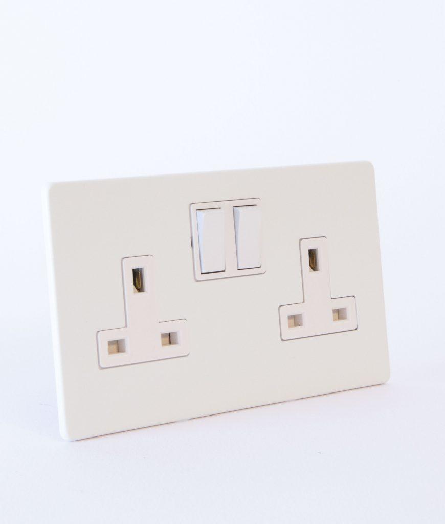 designer_double_wall_socket_white