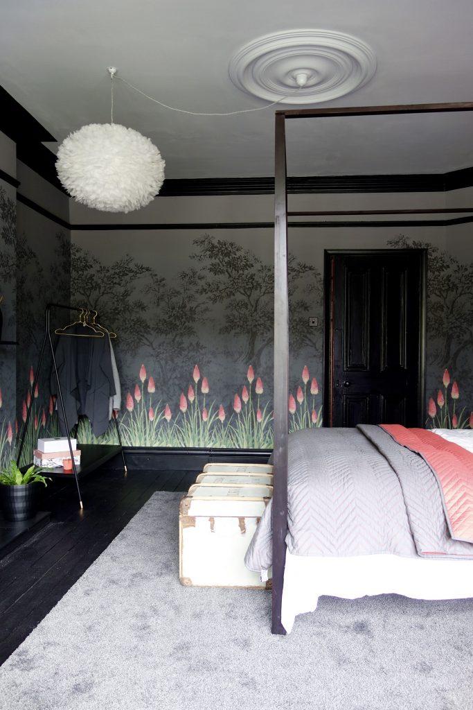 Dark Interiors, Black Floorboards and trim